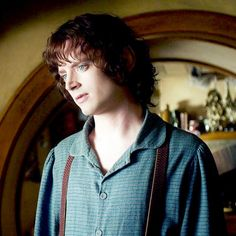 Did Elijah Wood Wear Contacts Lord Rings