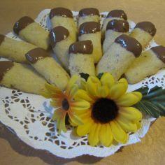 Sikarit. Käytetään hasselpähkinäjauhetta. French Toast, Cookies, Breakfast, Food, Crack Crackers, Morning Coffee, Eten, Cookie Recipes, Meals