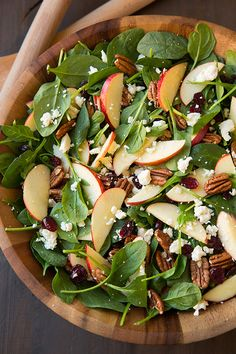 Apple Pecan Feta Spinach Salad with Maple Cider Vinaigrette - Cooking Classy Healthy Recipes, Healthy Salads, Healthy Eating, Healthy Recipes, Taco Salads, Delicious Recipes, Rice Recipes, Soup Recipes, Thanksgiving Salad, Feta
