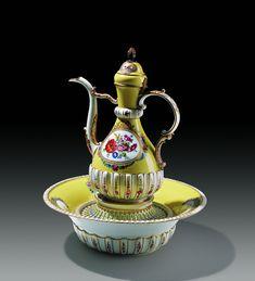 European Porcelains and Glasses Istanbul, Turkish Tea, Museum, Ottoman Empire, Tea Pots, Pottery, Palace, Antiques, Ottomans