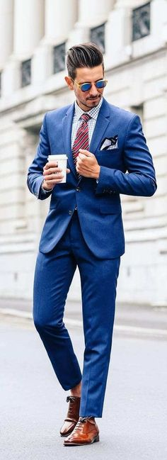 The 5 Basic Suits That You Must Absolutely Own If You Are A Professional Mens Fashion Blog, Latest Mens Fashion, Mens Fashion Suits, Mens Suits, Men's Fashion, Formal Fashion, Trendy Fashion, Suit Men, Fashion Guide