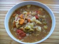 So viel Regen. Kalt und nass ist de da draußen - da wärmt eine warme vegane Krautsuppe mit Tomaten und mehr.  http://schatzwaskochichheute.blogspot.co.at/2012/10/vegane-rote-krautsuppe.html  Viel Freude beim Nachkochen & Laß es Dir schmecken! einfach vegan genießen :-)  #vegan #bio #regional #saisonal #rezepte #kraut #suppe #tomaten #paprika #soja