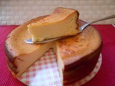 he dado con la que es para mi la mejor receta de tarta de queso al horno. Jugosa, húmeda, super sabrosa y sobretodo, aguanta perfectamente varios días.