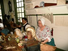 Colonial Wig Maker   Wigmaker