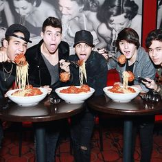 #CNCO #meatballsforniños #bucadibeppo Love You Papa, My Love, Brian Christopher, Cnco Richard, Memes Cnco, Disney Music, 12th Birthday, Friend Pictures, Boys Who