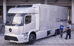 Електровантажівка Mercedes-Benz йде у виробництво