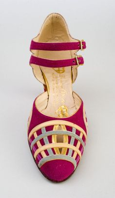 French Shoe - 1925-35 - by Donna Greco - Shelburne Museum - @~ Mlle