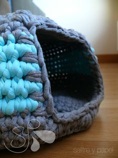 3Gatera  =^._.^=3 Crochet Cross, Crochet Yarn, Free Crochet, Cotton Cord, Crochet Dog Sweater, Diy Clutch, T Shirt Yarn, Stuffed Animal Patterns, Crochet Animals