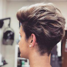 New me coming soon Edgy Short Hair, Short Hair Undercut, Thin Hair Haircuts, Haircut For Thick Hair, Edgy Hair, Short Hair With Layers, Girl Haircuts, Undercut Hairstyles, Short Hair Cuts For Women