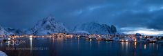 there are Nine Million Photographers in Reine ... ;) by chbustosr via http://ift.tt/2mzRyaC