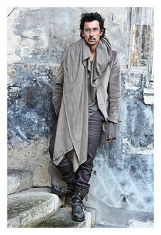 {STYLE INSPIRATION FOR MEN} I love a point of difference when it comes to personal style and well known fashion designer Haider Ackermann has exactly that! Tilda Swinton, Haider Ackermann, Mode Masculine, Style Magazin, Future Fashion, Yohji Yamamoto, Mode Style, Stylish Men, Beautiful People