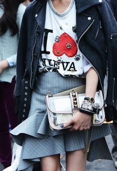 Street style   Ruffles   Leather jacket   Bag   More on Fashionchick.nl