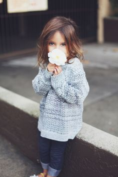 Such a CUUUUUUTE little girl!!! Love her outfit! I want to dress my daughter like this when I have one!!!