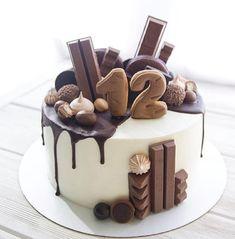 Chocolate Cake Designs, Best Chocolate Cake, Chocolate Recipes, Candy Birthday Cakes, White Birthday Cakes, Cake Recipes, Dessert Recipes, Dessert Ideas, Birtday Cake