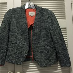 Tweed petite cropped blazer PRICE DROP Please ask me any questions that you may have! No trades and no PP. If you want to bundle something and save $$, that's awesome but PLEASE consult with me before purchasing. Some items I have with me in NYC and some are at my parents in Florida. If you go ahead and purchase things from multiple locations, it will take a long time for it to get shipped to me then shipped to you. We can make it work ❤️❤️ ️PRICE FIRM LOFT Jackets & Coats Blazers