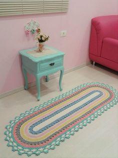 Linda passadeira em tons pastéis para decoração de quartos infantis!  Pode ser feita nas cores de sua decoração!  Medidas 1,60 X 0,55 cm  Outras medidas consultar valor