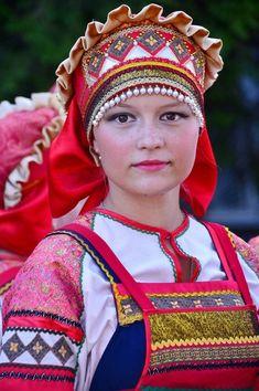 *Tsarist, Boyar, Russian folk costume, and Belorussian garb. Russian Beauty, Russian Fashion, Traditional Fashion, Traditional Dresses, Folklore, Folk Costume, Costumes, Beautiful People, Beautiful Women