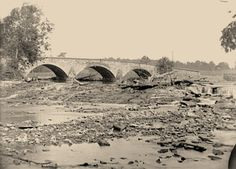 Antietam bridge, on Sharpsburg and Boonsboro turnpike. Date Created/Published: 1862 Sept. Battle Of Antietam, Crimean War, America Civil War, Historical Monuments, Civil War Photos, Old Pictures, Vintage Pictures, World History, Civilization
