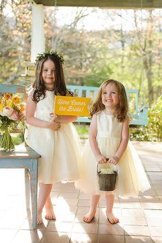 little flower girls | Soli Photography #wedding