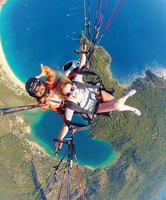 Pushing the limits! Tag who you want to paraglide with and enjoy this amazing view from way way up in #Oludeniz, Turkey! Photo by @visitoludeniz x @wanderingrach