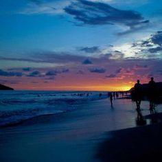 Es el Mazatlan en Mexico. Son unas puestas de sol.