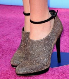 Bella Thorne's shoes - womens-shoes Photo