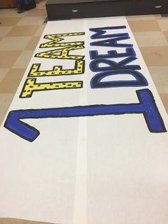 Basketball Signs, Basketball Posters, Sports Signs, Girls Basketball, Girls Softball, Volleyball Players, School Spirit Posters, Cheer Posters, Football Banner