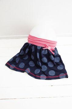 Anleitung für einen Jerseyrock mit breitem Bauchbündchen in unnterschiedlichen Kindergrößen, Foto: © frechverlag