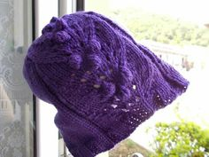 cappello in lana con noccioline