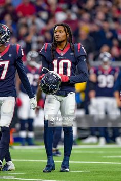 Houston Texans wide receiver DeAndre Hopkins relaxes during a timeout. af867e0a1