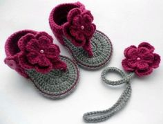 Crochet Baby Shoes Baby Crochet Sandals, these are too cute someone make them for my Hannah - Crochet Baby Sandals, Baby Girl Crochet, Crochet Baby Clothes, Crochet Shoes, Crochet Slippers, Men's Slippers, Mode Crochet, Crochet Bebe, Crochet For Kids