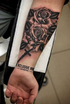 Amazing Must Have Rose Tattoos ! This Year Design Ideas 2019 Part ; rose tattoos on arm; rose tattoos on wrist; rose tattoos on shoulder S Tattoo, Rose Tattoo Forearm, Rose Tattoos For Men, Flower Wrist Tattoos, Wrist Tattoos For Guys, Forearm Sleeve Tattoos, First Tattoo, New Tattoos, Hand Tattoos