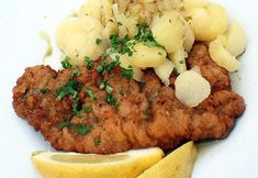 Barbara Hendricks has taken a controversial meat-free stance in order to set a good example for climate protection. Wiener Schnitzel, Organic Recipes, Ethnic Recipes, Greens Recipe, Healthy Life, Nutrition, Fresh, Meat, Environment