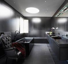modernes bad ganz in schwarz gehalten
