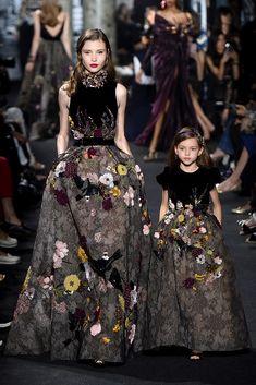 Elie Saab Haute Couture - Pasarela | Galería de fotos 30 de 57 | VOGUE