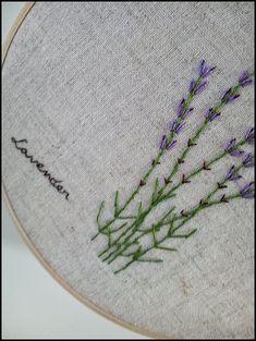 Bordado a mano en aro Lavender Pared porción KawaiiSakuraHandmade