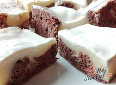 Mramorové makové kostky   NejRecept.cz Pudding, Sweet Cakes, Cheesecake, Food And Drink, Sweet Desserts, Sheet Cakes, Best Cake Recipes, Healthy Cake, Cooking