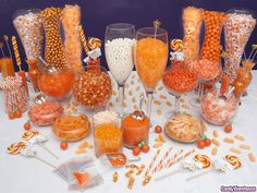 Orange Candy Buffet Shock and amaze your party guests with a fabulous orange candy display that will make your event memorable and fun. Orange Party, Halloween Candy Bar, Baby Halloween, Halloween 2019, Orange Candy Buffet, Blue Candy, Bar A Bonbon, Candy Display, Wedding Candy