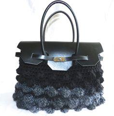 Borse in lana e fettuccia in vari modelli tipo la Kelly di Hermes, tipo bauletto. e tante altre idee di borse all'uncinetto. ISCRIVITI per non perderti i nuo...