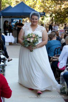 LolaImages_WUM_FashionParade-57  Elvi Designs at Wedding Upmarket.  Flowers by IVY Flowers, Hair accessory by @olivefarmdesigns  Perth Weddings, Perth bridal fair, Perth bridal expo