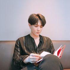 Read 🎤sᴏᴜʟᴍᴀᴛᴇ [ikon]🎤 from the story idol as your. Kim Jinhwan, Chanwoo Ikon, Bobby, Yg Entertainment, Fandom, Ikon Kpop, Dancing King, Kdrama Actors, Fan Fiction