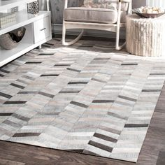 Looking for nuLOOM Modern Cowhide Patchwork Area Rug, x Silver ? Check out our picks for the nuLOOM Modern Cowhide Patchwork Area Rug, x Silver from the popular stores - all in one. Herringbone Rug, Polyester Rugs, Area Rugs For Sale, Cow Hide Rug, Cool Rugs, Do It Yourself Home, Handmade Home Decor, Online Home Decor Stores, Handmade Silver