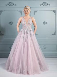 Rochie de mireasă A-line, colecția 2019 Dress Collection, Bespoke, Ready To Wear, Costumes, Formal Dresses, Unique, How To Wear, Fashion, Atelier