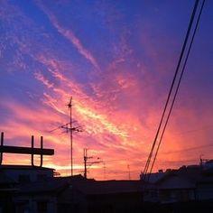 「朝焼け」が話題に。みんなが撮った朝焼け写真まとめ(8月26日) - NAVER まとめ