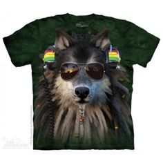 The Mountain Mens Graphic Tee Rasta Wolf T-Shirt Adult Size Wolf Kids, Wolf T Shirt, Big Face, Plus Size T Shirts, Women Smoking, Graphic Tees, Classic T Shirts, Tee Shirts, Wolves