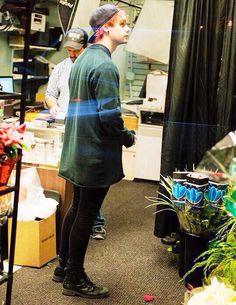 HES LIKE A BIG FLUFFY PUNK ROCK KITTY IN A BIG OVER SIZED SHIRT AND IM CRYING THANKS MICHAEL
