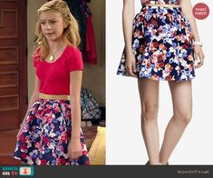 Avery's blue floral skirt on Dog with a Blog.  Outfit Details: http://wornontv.net/44128/ #DogwithaBlog