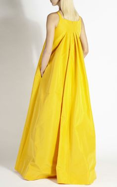 Egg Yellow Silk Faille Gown by Rochas for Preorder on Moda Operandi Dress Me Up, Dress Skirt, Couture, Fashion Show, Fashion Design, Style Fashion, Mode Inspiration, African Fashion, Beautiful Outfits