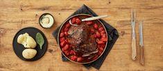 Kasslerista tulee tosi mehevää ja mureaa, kun kypsennät sen matalalla lämmöllä ylikypsäksi paistopussissa. Tarjoa kokonaisena kasslerpaistina tai nyhtöpossuna. Noin 3,00 €/annos* Dinner Tonight, Steak, Beef, Dishes, Healthy, Food, Meat, Tablewares, Essen