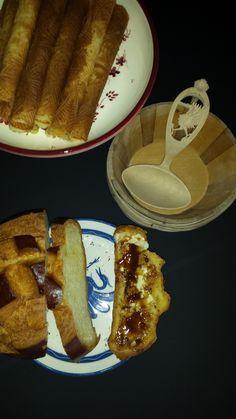 bricelets, cuchaule et moutarde de Bénichon French Toast, Breakfast, Food, Torte, Mustard, Morning Coffee, Eten, Meals, Morning Breakfast
